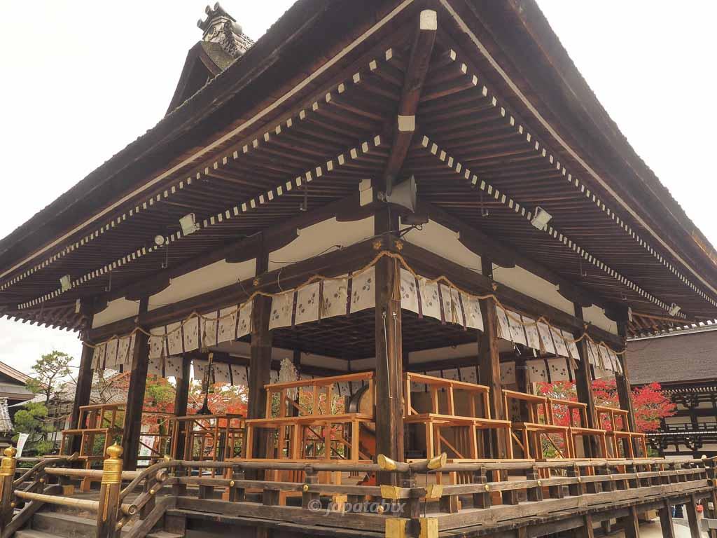 京都 松尾大社の拝殿