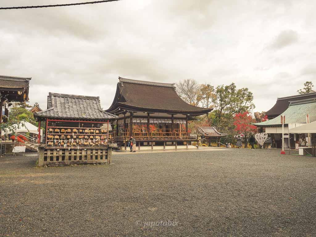 京都 松尾大社の境内