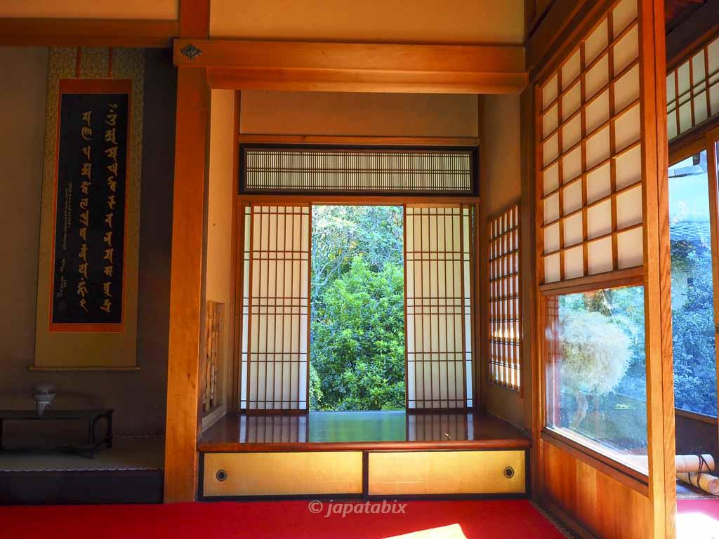 京都 雲龍院 悟りの窓・迷いの窓