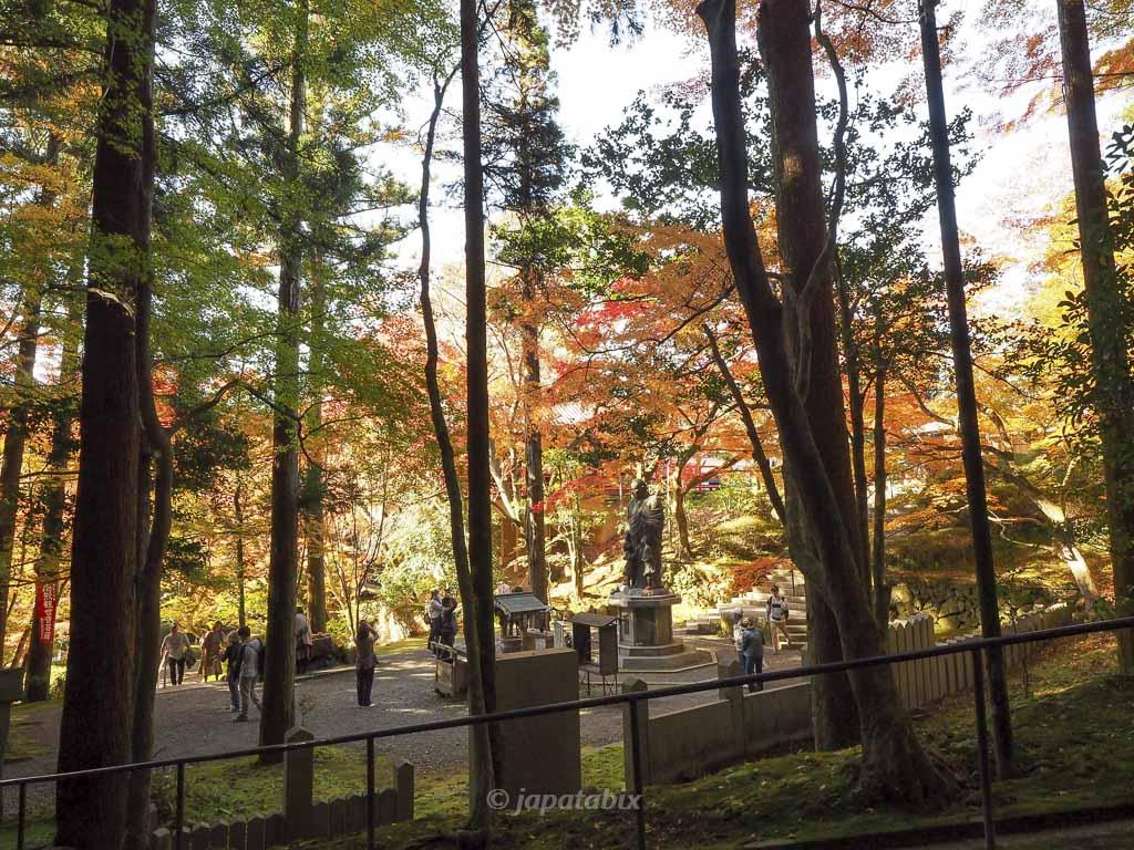 今熊野観音寺の休日昼過ぎの混雑具合
